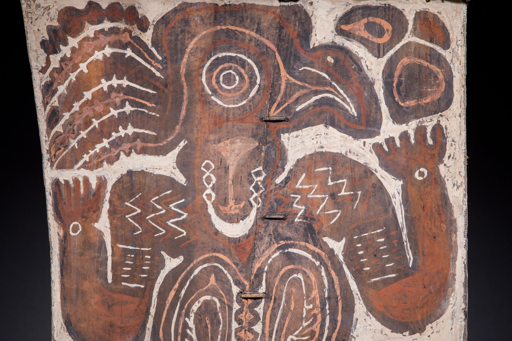 Papua New Guinea art objects and artifacts | ceremonial house painting