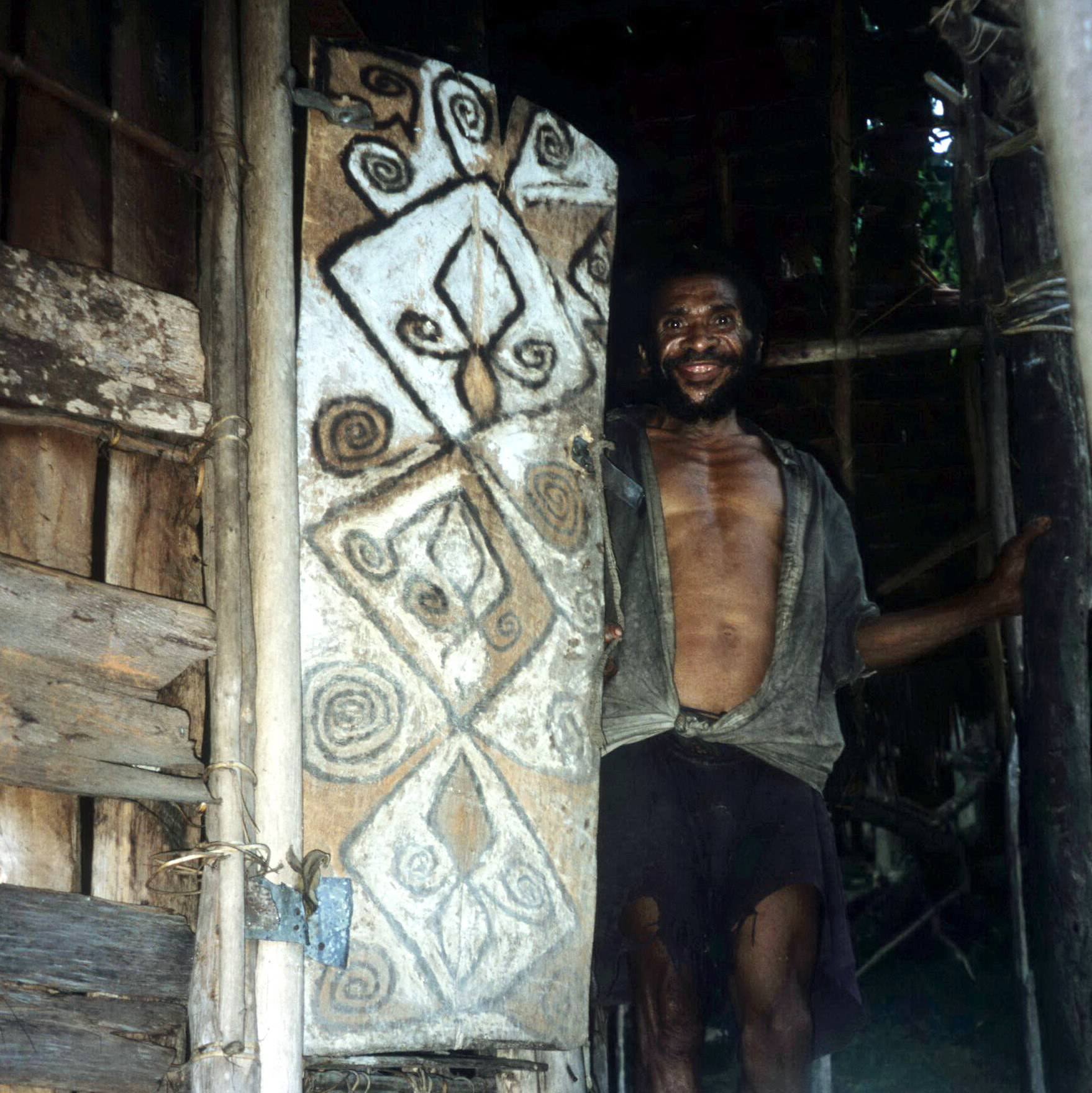 Star Mountain Man with Decorated Door, New Guinea Art, Oceanic Art, South Pacific Art, Tribal Art